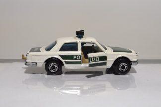 MERCEDES DE POLICIA 450 SEL DEL AÑO 1979 EN PERFECTO ESTADO Y A ESCALA 1/64.